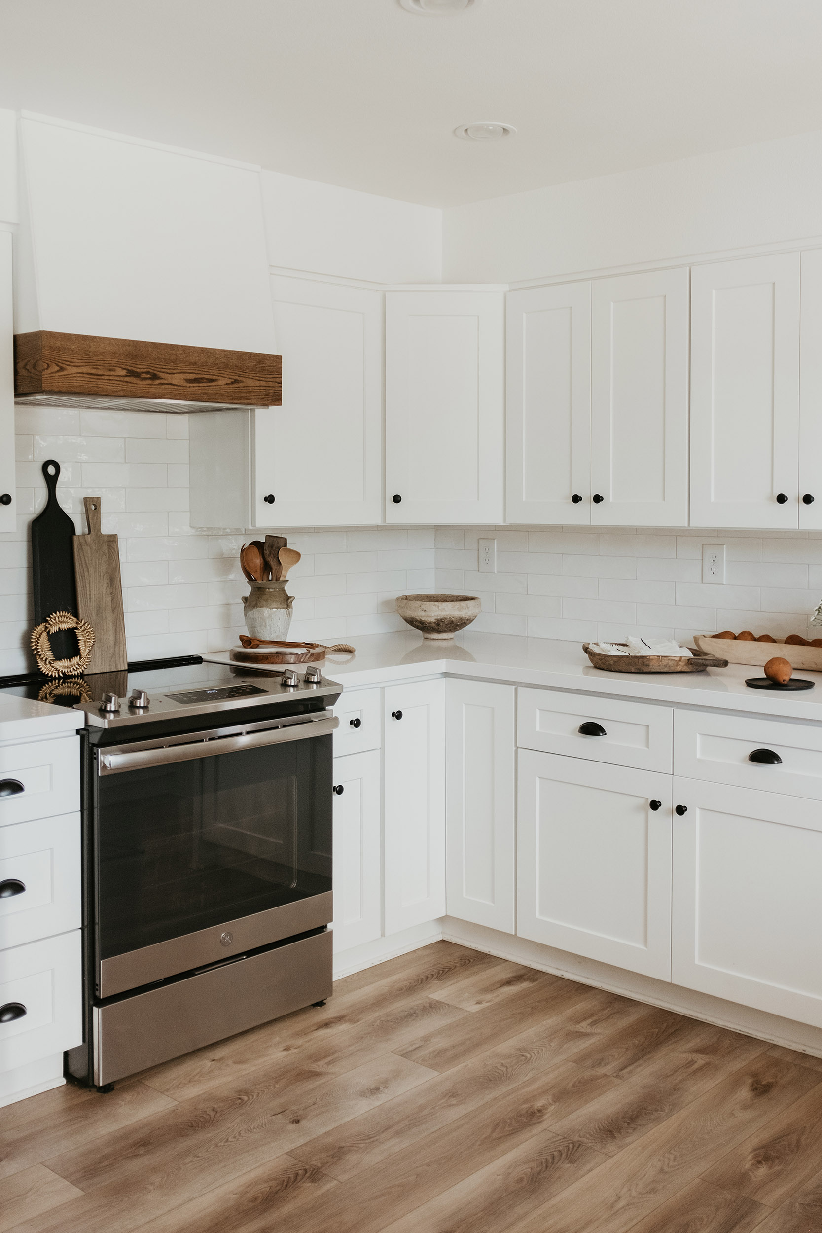 Modern Farmstyle White Kitchen Cabinets